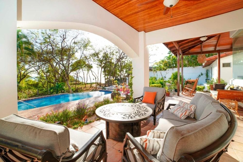 10-Bedroom-BB-Investment-in-Tamarindo-12-1