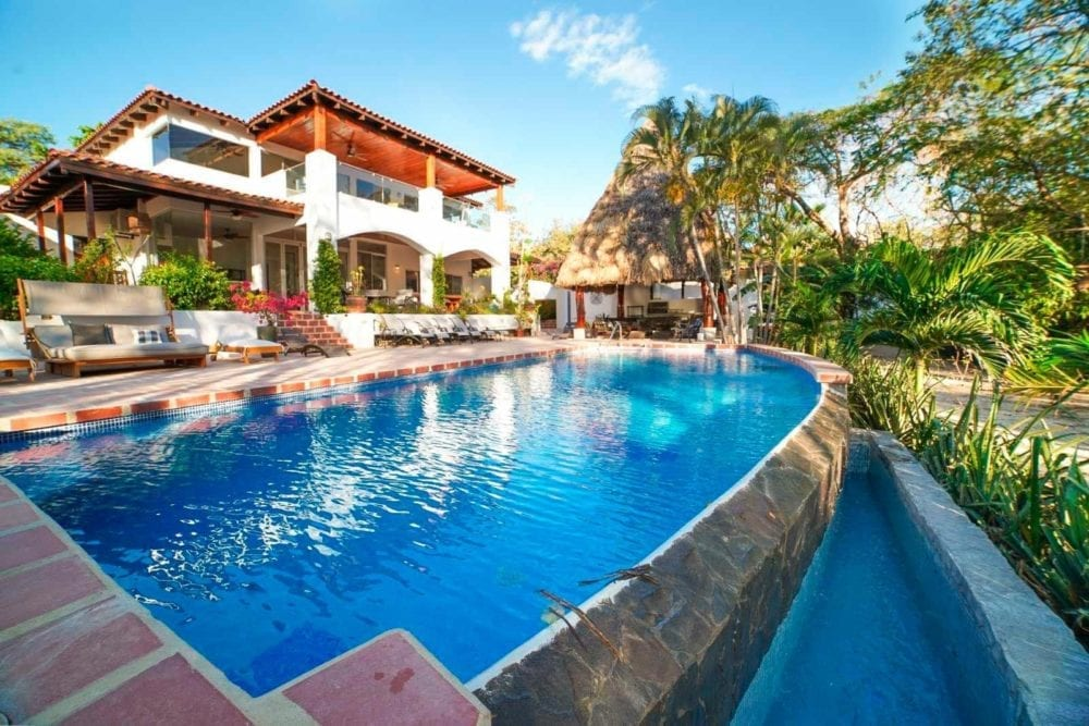 10-Bedroom-BB-Investment-in-Tamarindo-21