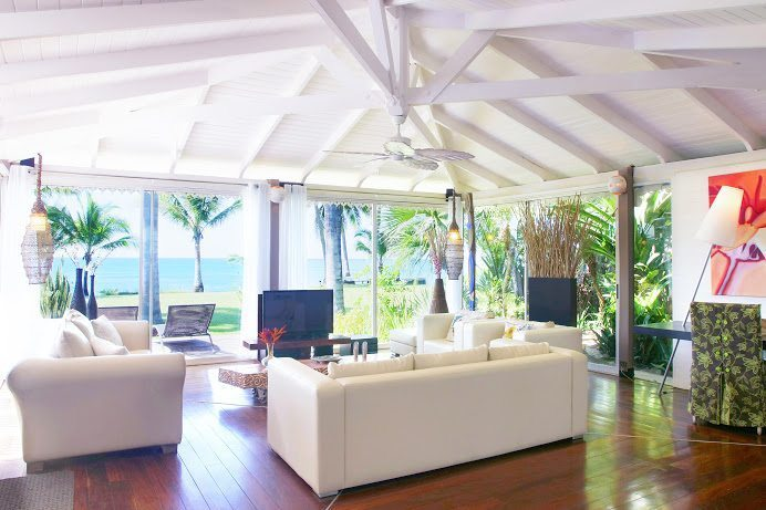 11-Diosa living room