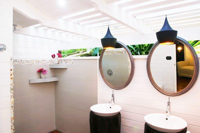 19-Diosa bathroom 1