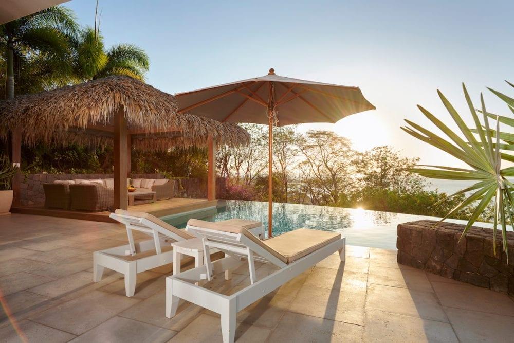 Casa Alamandas Pool view