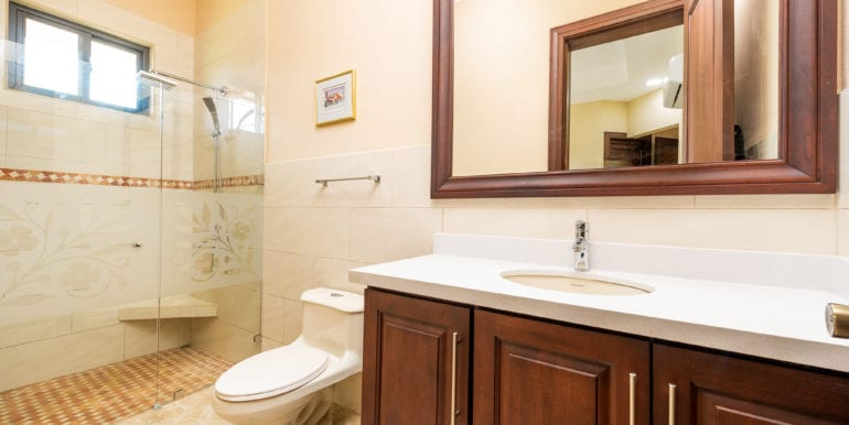Casa Linda-Bathroom 1