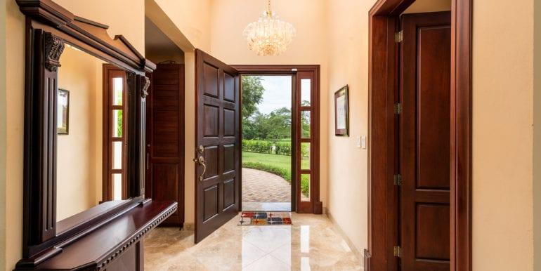 Casa Linda-Entrance hallway