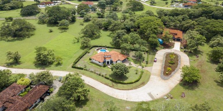 Casa Linda, View of the cul de sac