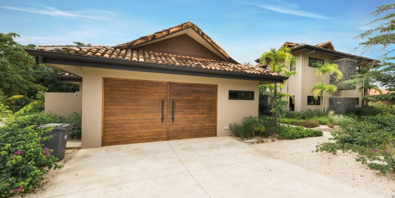 Casa Oceana-Garage
