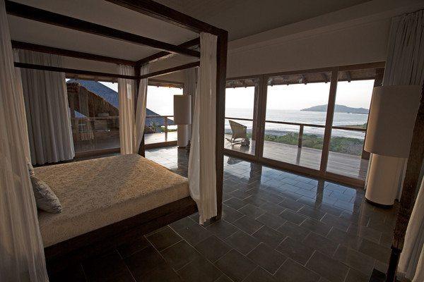 Master_Bedroom_-_02_grande