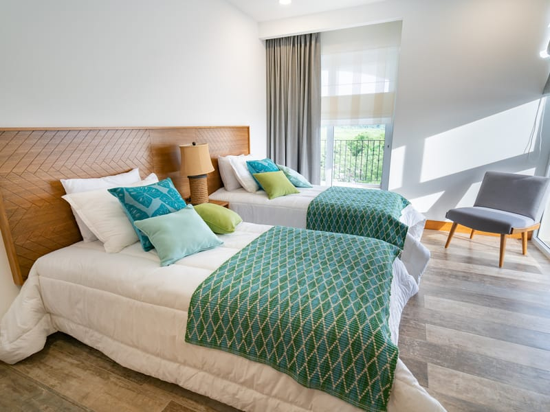 New Peninsula – 2 single beds