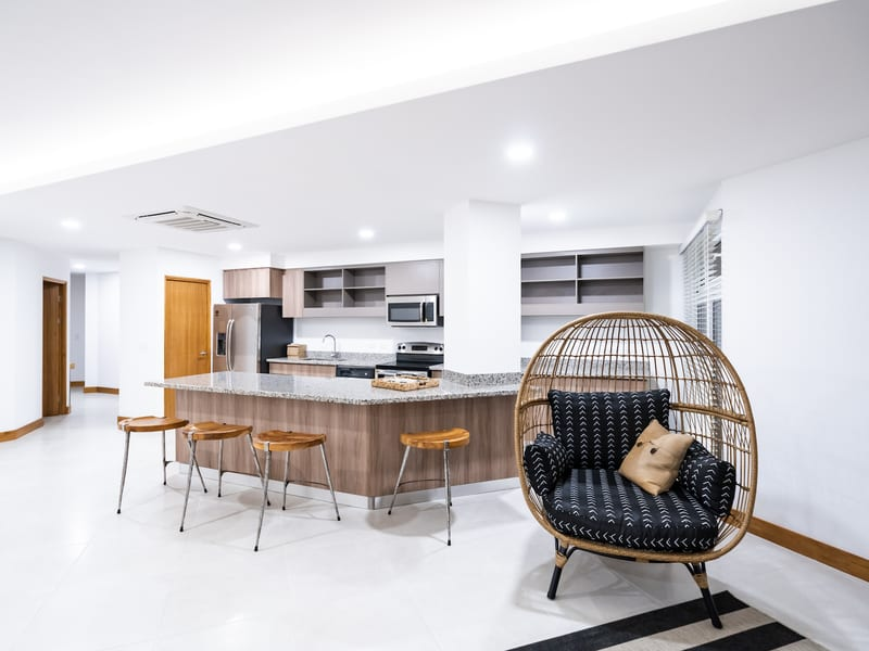 New Peninsula – Kitchen