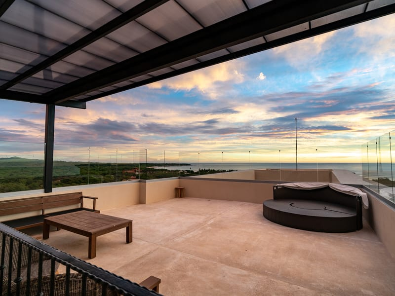 New Peninsula – Roof top sunset view
