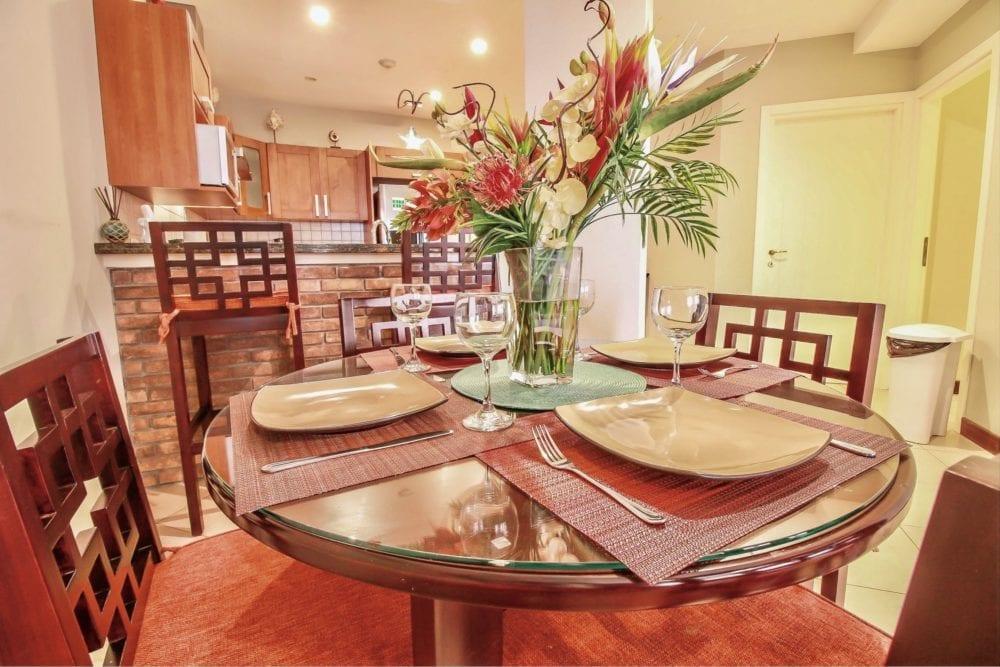 Peninsula 56 Kitchen