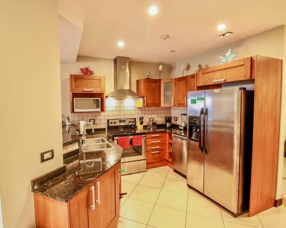 Peninsula 56 – Kitchen