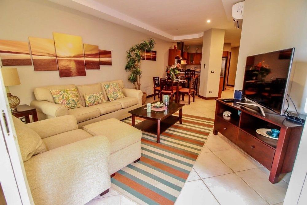 Peninsula 56 Living room