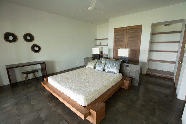Pool_guestroom_-_1_grande