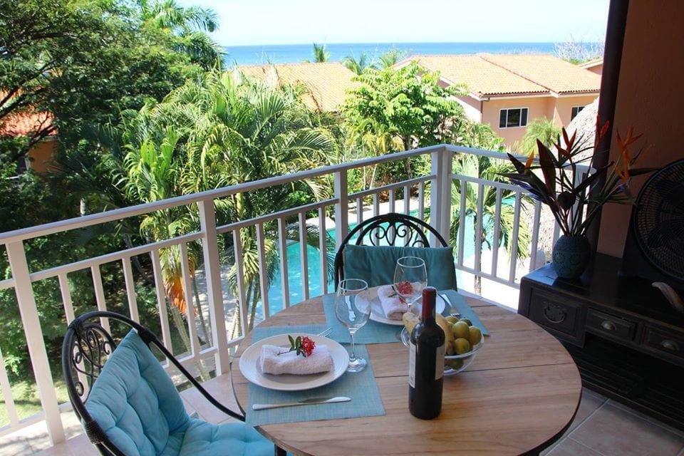 bq9 balcony table view