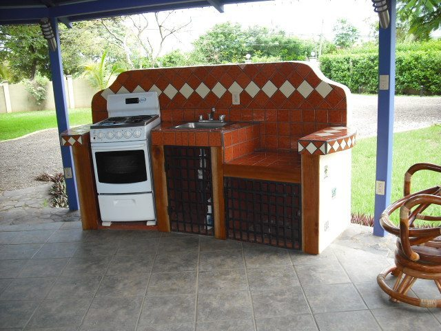 Villa Flamboyan Kitche-BBQ