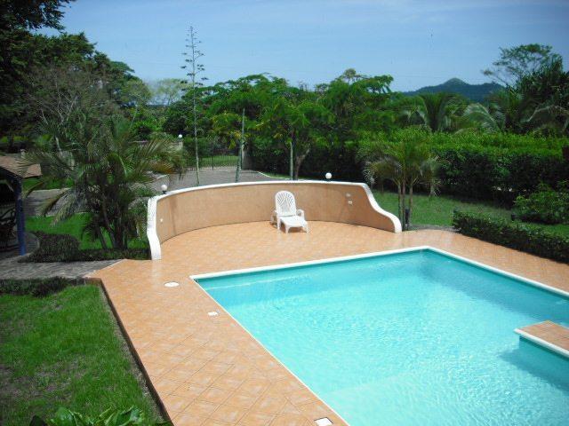 Villa Flamboyan Pool