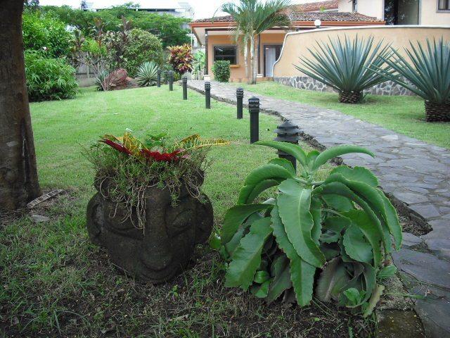 Villa Flamboyan