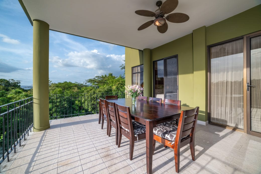 Carao T1-3 – Outdoor Dining Area