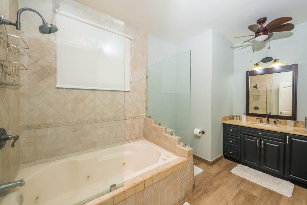 Tamarindo Azul 4 – Bathroom 2
