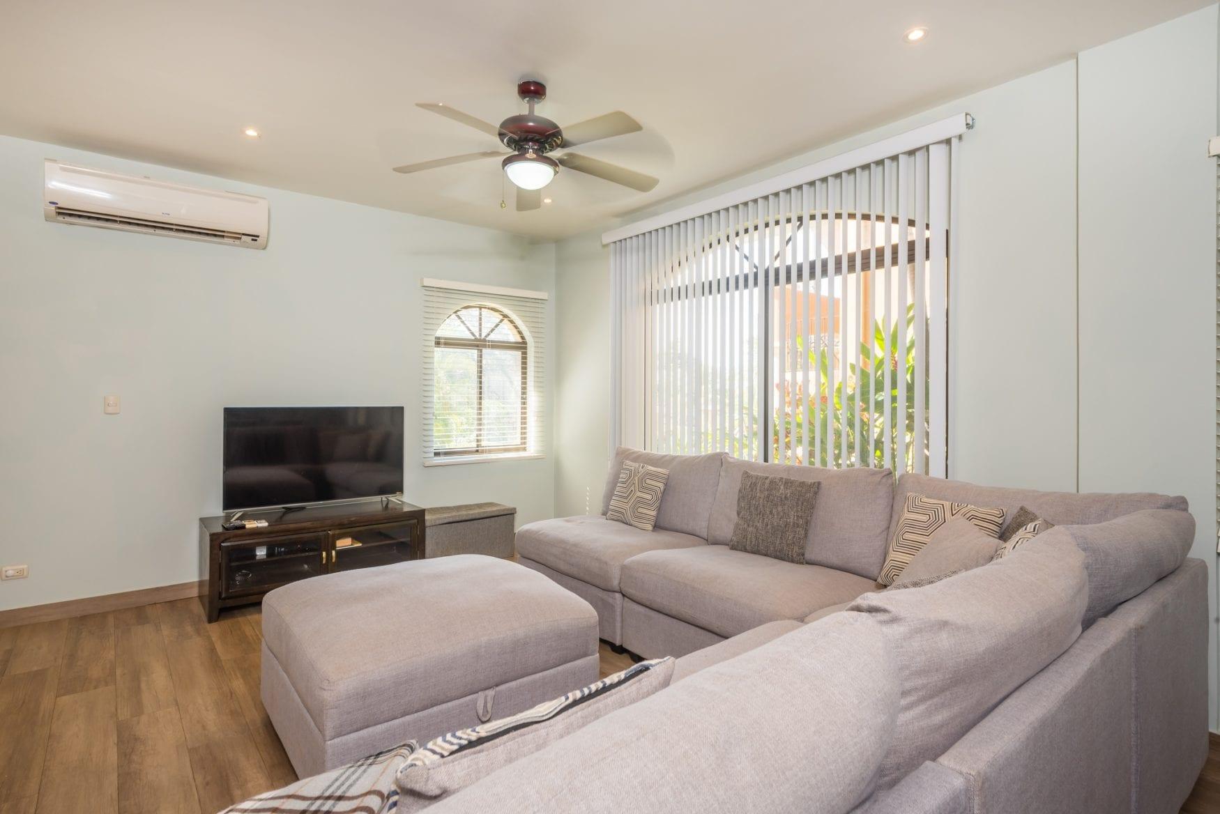 Tamarindo Azul 4 – Living Room (1)