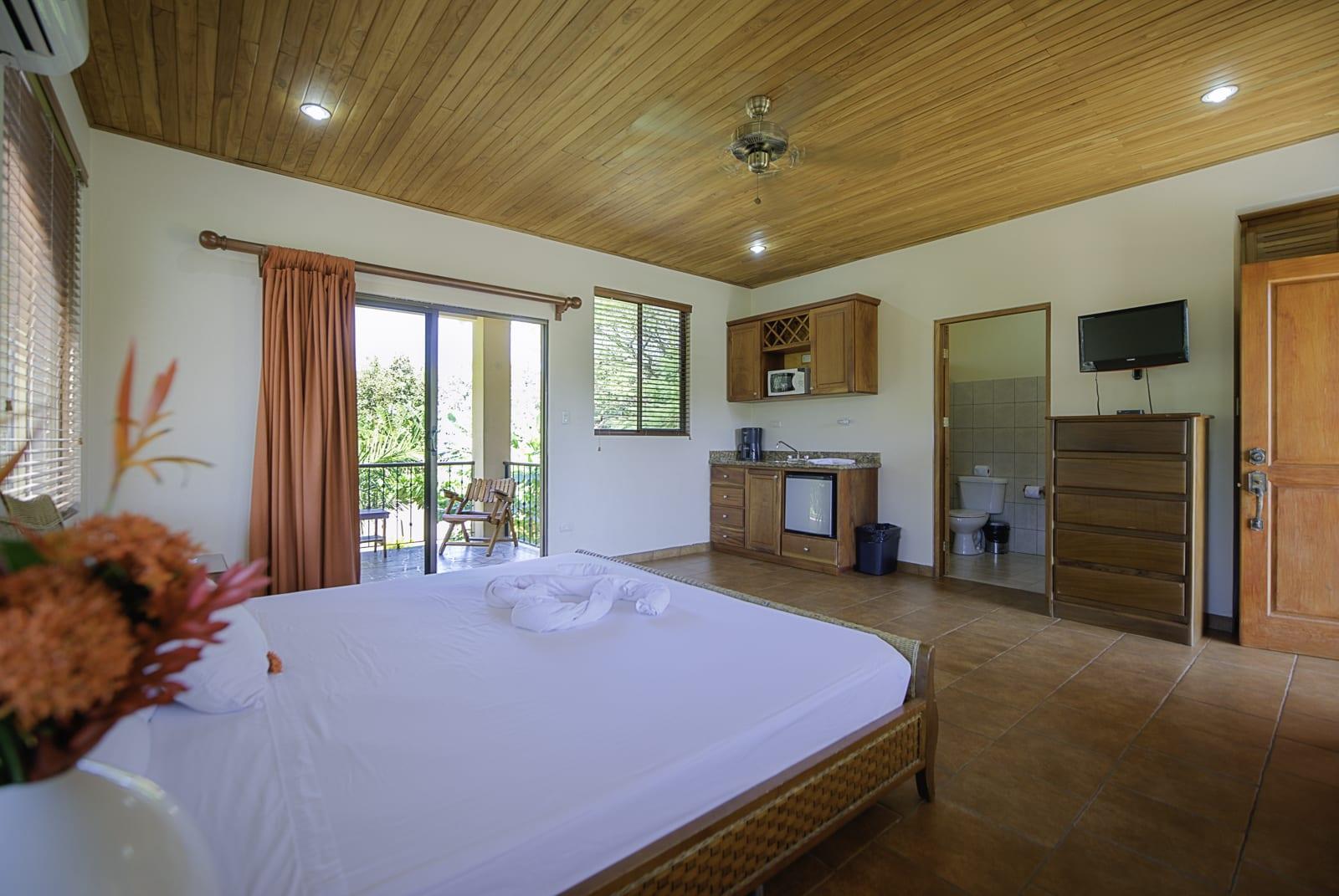 6 Spacious suite rooms